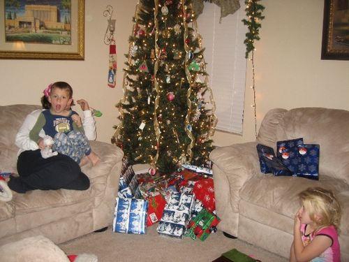 Christmas 08; Erika, Jarom & Gabby - sm